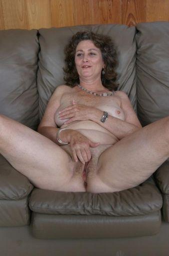 Granny Nu : Free nude granny porn